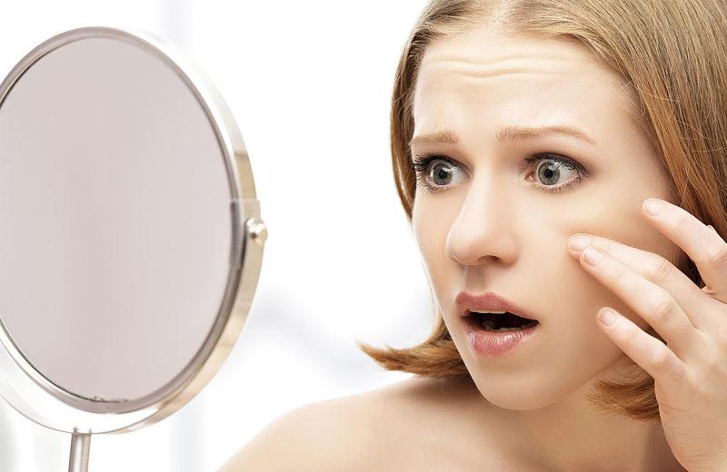 Da xuất hiện nhiều nếp nhăn, thâm sạm cho thấy da bạn đang có dấu hiệu lão hóa sớm