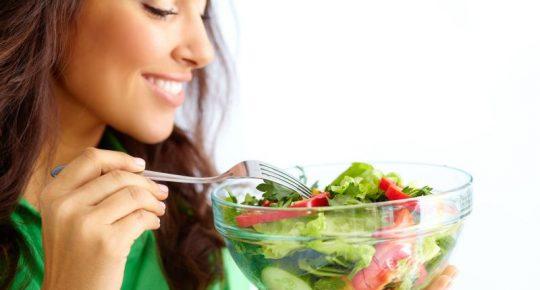 Độ pH trong cơ thể người phụ thuộc vào rất nhiều yếu tố như ăn uống, môi trường,...