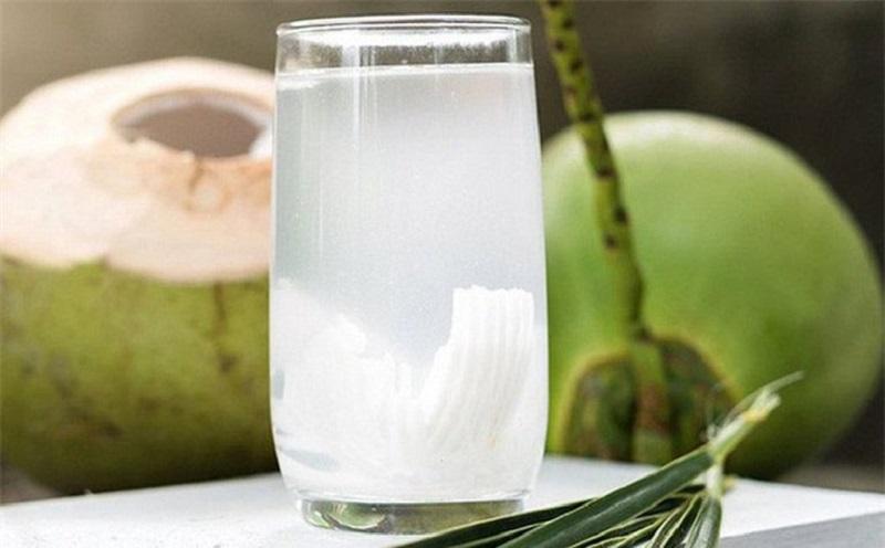 Nước dừa có vị ngon, giúp người dùng giải khát và tăng sự sảng khoái