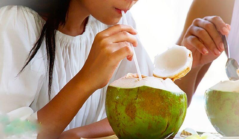 Nước dừa có tính kiềm hay axit?