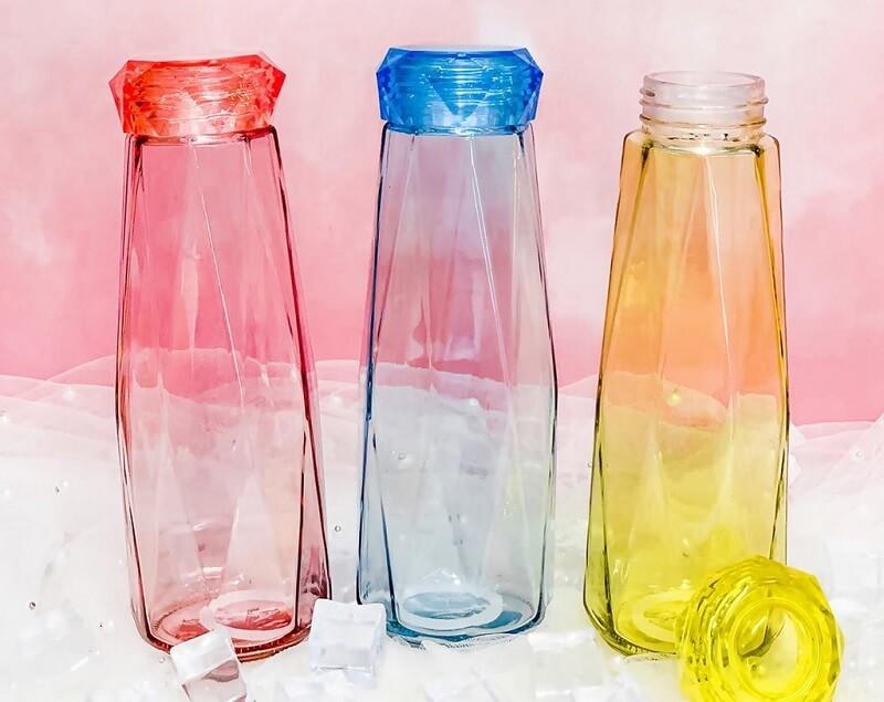 Sử dụng bình thủy tinh có nắp đậy kín để bảo quản nước ion kiềm