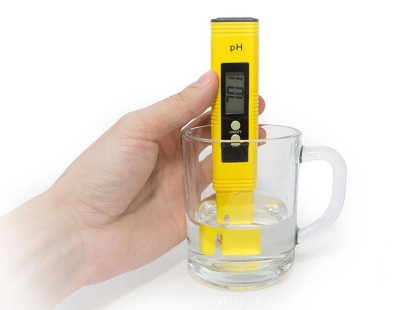 Bút thử pH là thiết bị quan trọng để giúp bạn xác định pH nước một cách nhanh nhất
