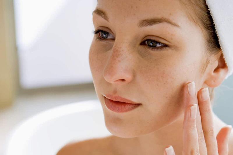 90% tất cả các triệu chứng oxy hóa da sớm là do tiếp xúc với tia cực tím.