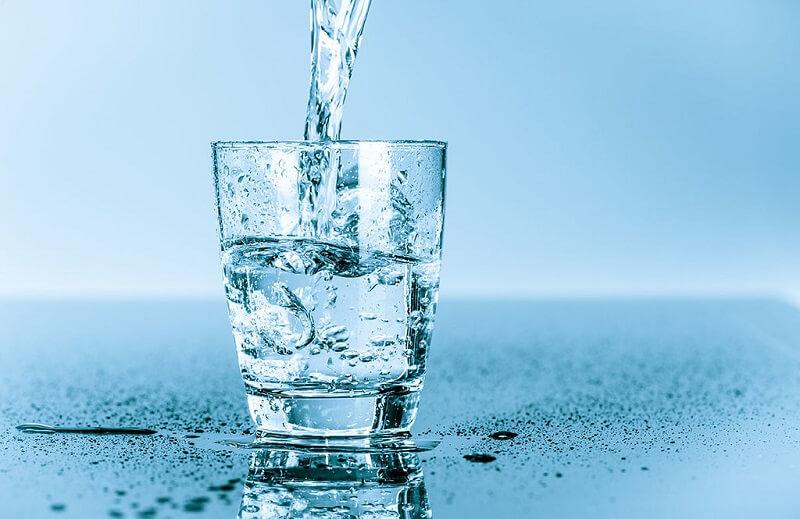 Nước ion kiềm còn có tên gọi khác là nước kiềm, nước điện giải