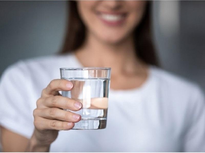 Uống nước ấm có tác dụng trong việc tăng cường quá trình trao đổi chất