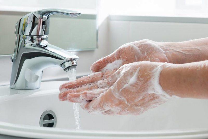 Rửa tay thường xuyên giúp bảo vệ sức khỏe rất tốt