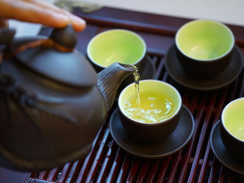 Đối với nước ion kiềm cấp độ 3 bạn có thể dùng để pha trà nhằm tăng hương vị