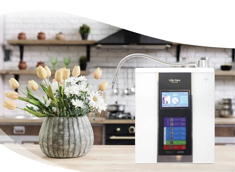 Máy lọc nước kiềm Lifecore có thiết kế đẹp mắt và sở hữu nhiều tính năng nổi bật