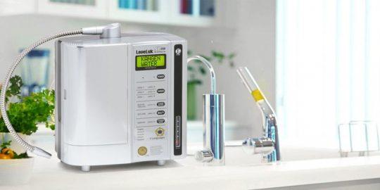Máy lọc nước ion kiềm Kangen LeveLuk SD501 Platinum có điểm gì nổi bật?